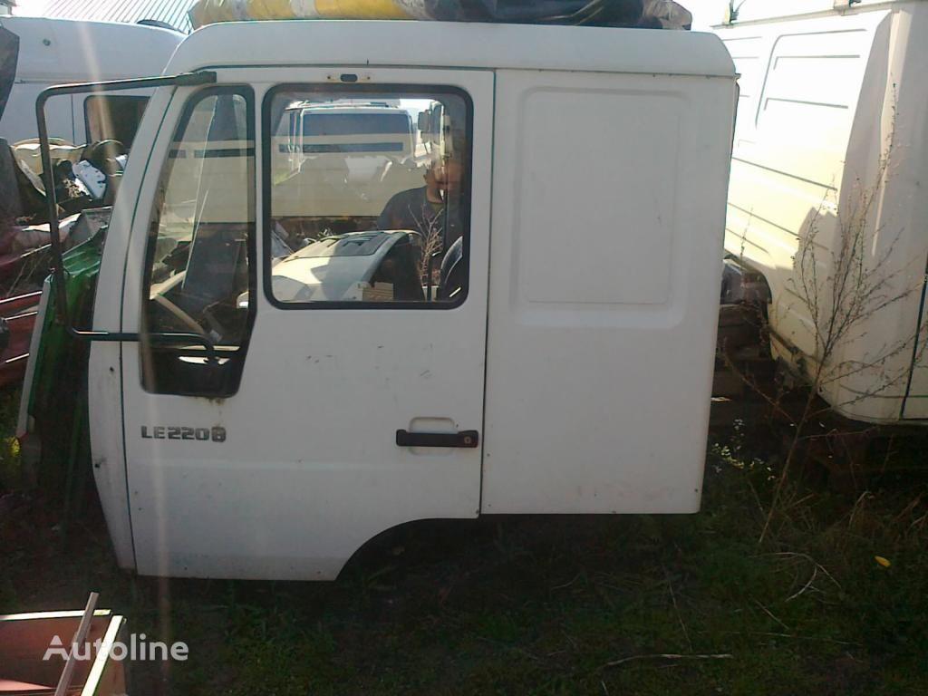 cabină pentru MAN LE Star L2000 sypialna 3000 zl. netto autotractor