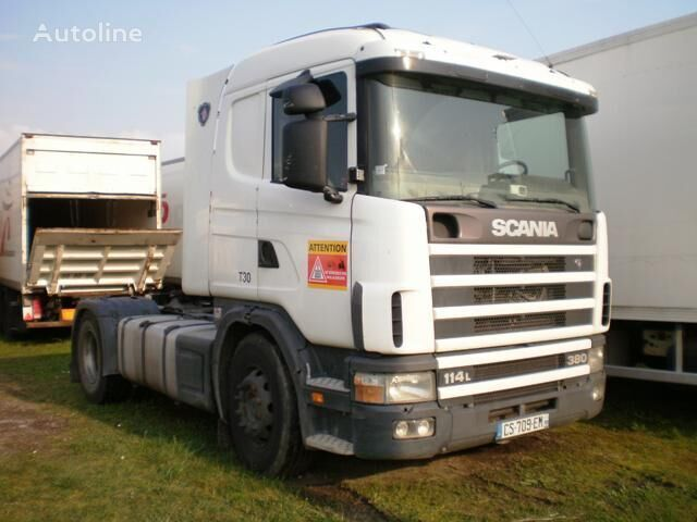 SCANIA L 114L380 autotractor