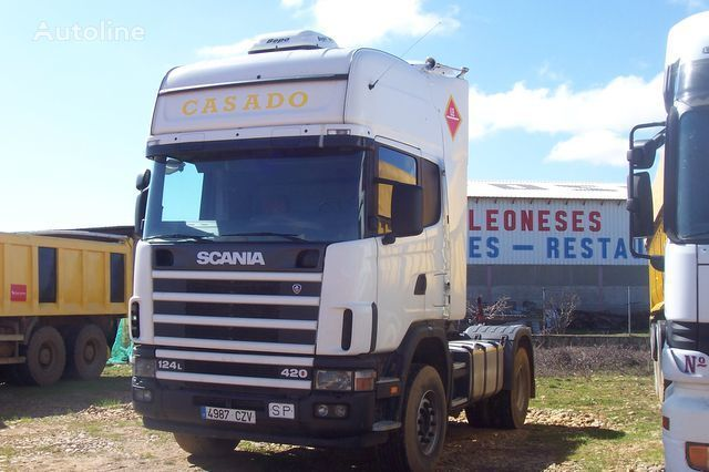 SCANIA L420 autotractor