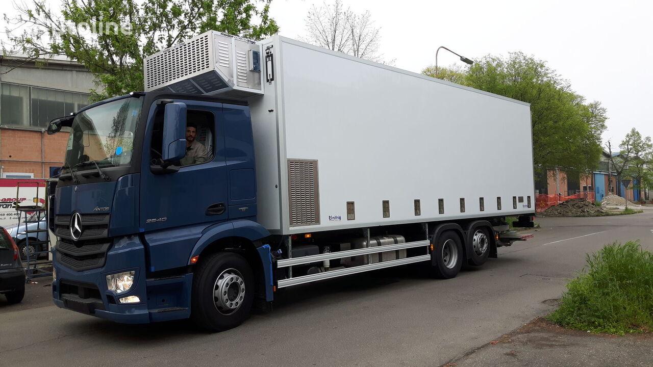 MERCEDES-BENZ SPECIAL CHIKS TRASPORT VEHICLE-Koeken Aufbau- camion transport păsări nou