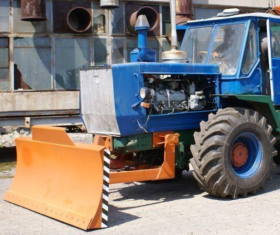 HTZ Buldozernoe oborudovanie (otval, lopata) na traktorah HTZ 150K lama buldozer