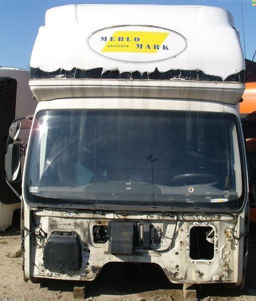 DAF KOMPLETNA Z GLOBEM (KURNIK) cabină pentru DAF LF 45 autotractor