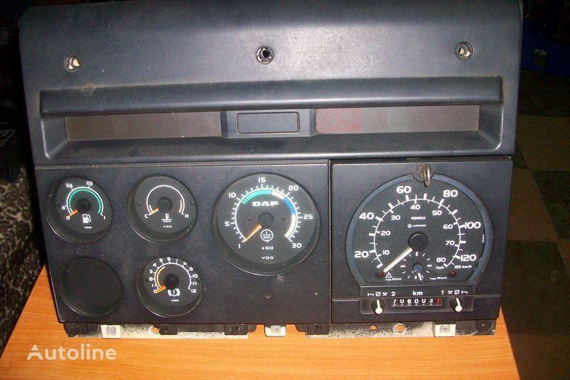 CF-85 panou cu dispozitive pentru DAF  XF,CF autotractor
