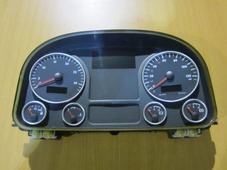 MAN 81272026222 panou cu dispozitive pentru MAN TGX autotractor