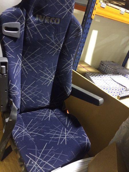 IVECO ASIENTO NEUMATICO DERECHO scaun pentru IVECO STALIS autotractor nou