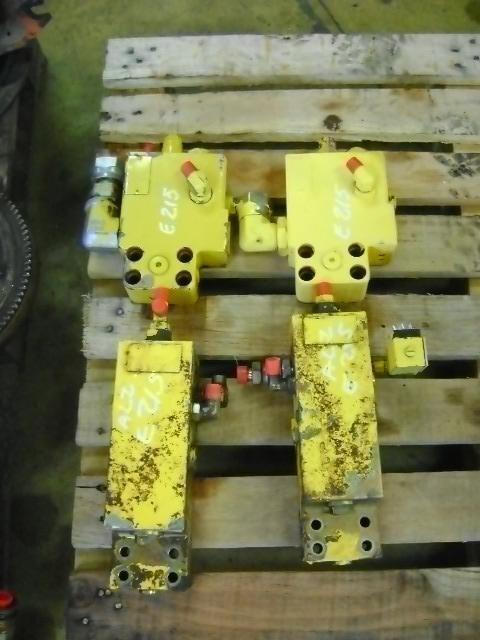 Block Valve supapă pentru NEW HOLLAND E 215 excavator