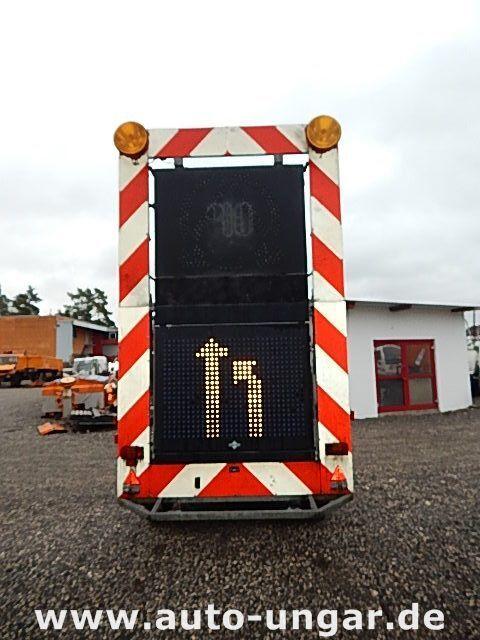 SCHMITZ Schiffner &amp Verkehrsleittafel LED remorcă platformă cu obloane