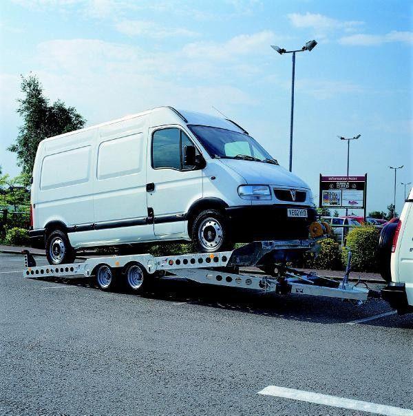 IFOR Williams CT177 remorcă transport auto