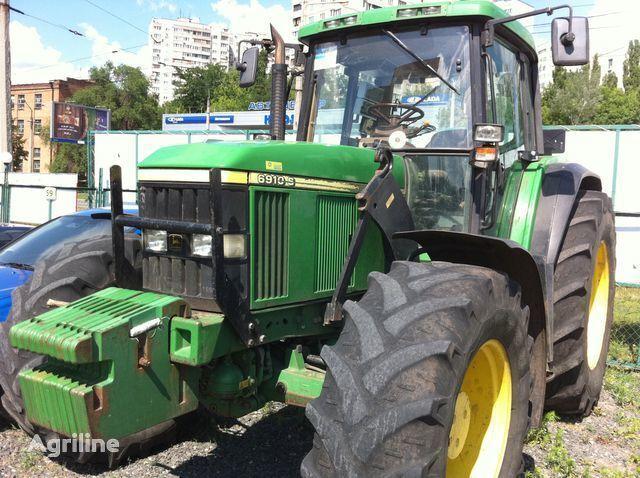 JOHN DEERE 6910 tractor cu roţi