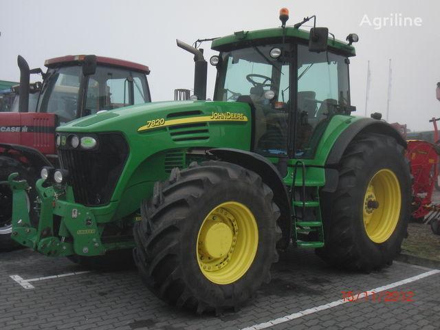 JOHN DEERE 7820 tractor cu roţi