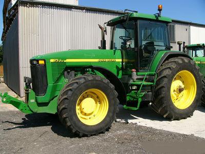 JOHN DEERE 8300 tractor cu roţi