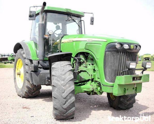 JOHN DEERE 8320 tractor cu roţi