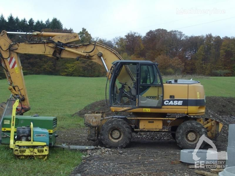 CASE WX 185 excavator pe roţi