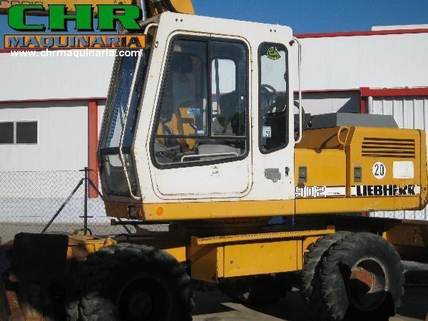 LIEBHERR 902 excavator pe roţi