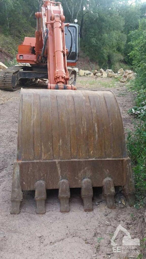 FIAT-HITACHI FH 240-3 excavator pe şenile
