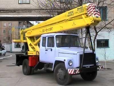 GAZ VS—18 Podemnik VS—18 s 5ti mestnoy kabinoy  nacelă pe camion
