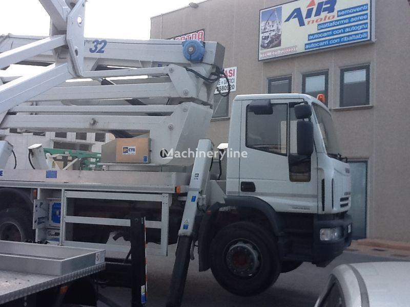 IVECO eurocargo CTE Zed 32  32mt nacelă pe camion