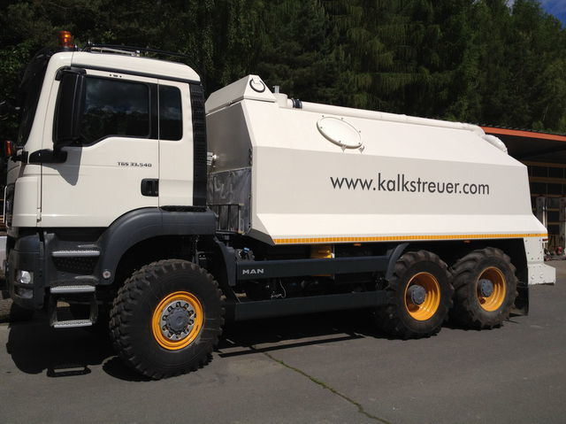 MAN spreader for laim or cement TGS 33.440 - 6x6 reciclare asfalt