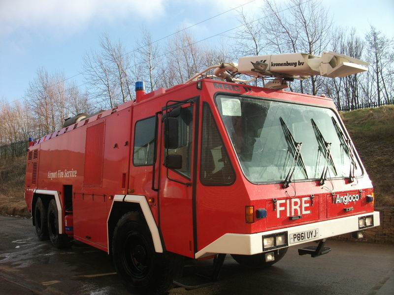 ## FOR HIRE # ANGLOCO AIRPORT FIRE FIGHTING VEHICLE / KRONENBURG mașină de pompieri